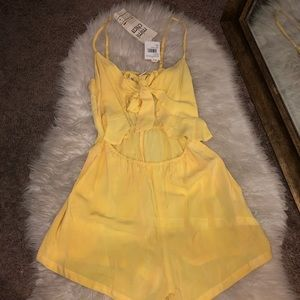 NWT Nordstrom's yellow romper with tie front